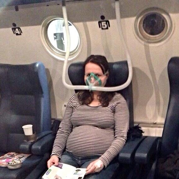 Szénmonoxid mérgezett kismama kezelése oxigénterápiával